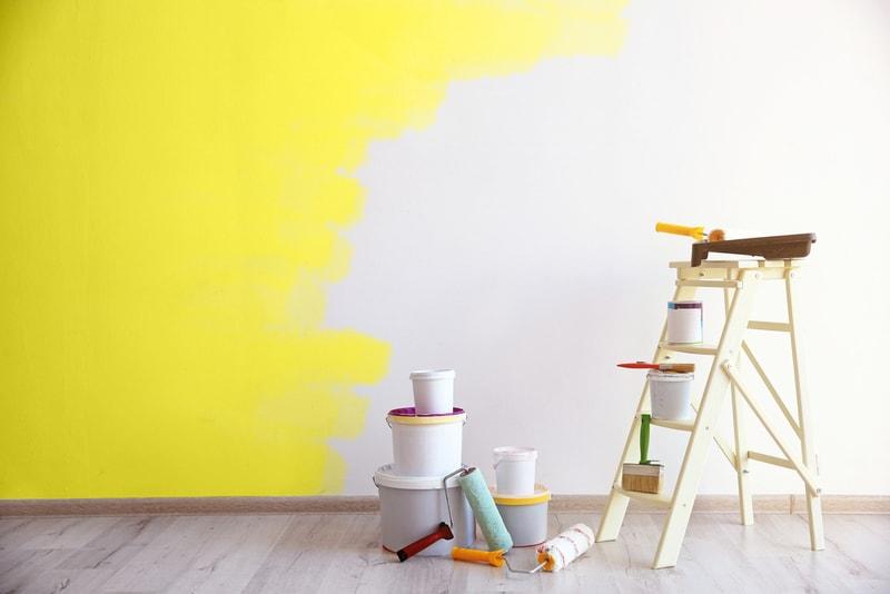 покрасить стены водоэмульсионной краской